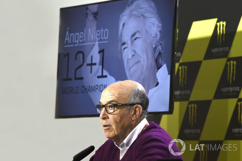 Кармело Еспелета, генеральний директор Dorna Sports, данина Анхелю Нієто