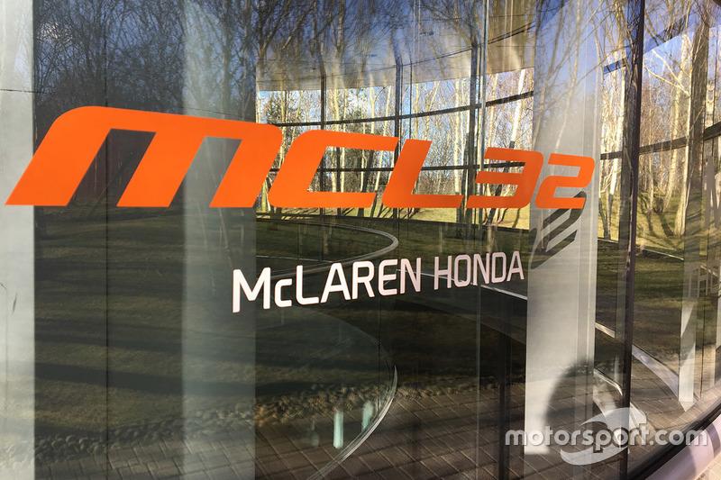 McLaren MCL32 logo