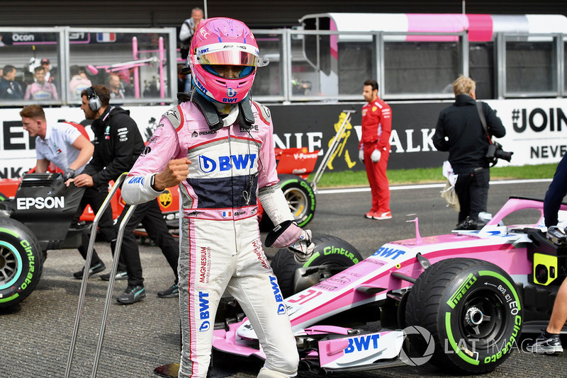 Esteban Ocon, Racing Point Force India F1 Team, dans le parc fermé