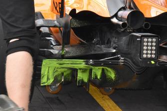 McLaren rear diffuser and flo-vis technical detail