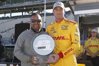 Polesitter Ryan Hunter-Reay, Andretti Autosport Honda, mit Steve Williams, Verizon