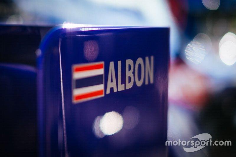 Alex Albon, Toro Rosso STR14 logo