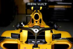Автомобиль Renault F1 с установленной системой Halo