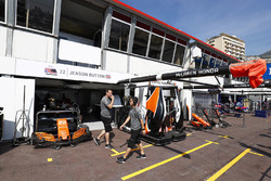 Le garage de Jenson Button, McLaren
