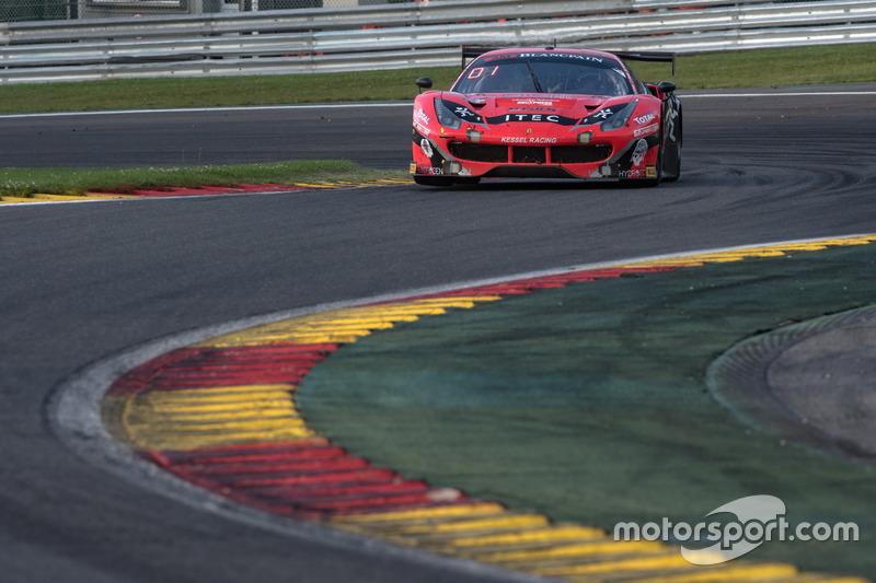 #888 Kessel Racing Ferrari 488 GT3: Жак Дуйве, Марко Дзануттіні, Давід Перель, Нікі Кадей