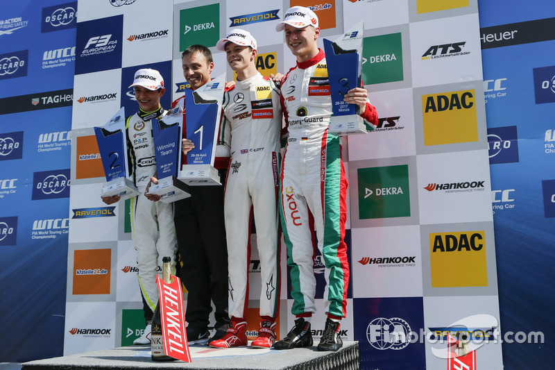 Podium: Race winner Callum Ilott, Prema Powerteam, Dallara F317 - Mercedes-Benz, second place Lando Norris, Carlin Dallara F317 - Volkswagen, third place Maximilian Günther, Prema Powerteam Dallara F317 - Mercedes-Benz