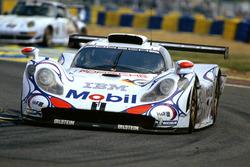 Аллан Макниш, Лоран Аелло, Стефан Ортелли, Porsche 911 GT1-98