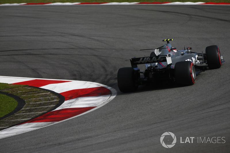 15. Кевін Магнуссен, Haas F1 Team VF-17 - 11