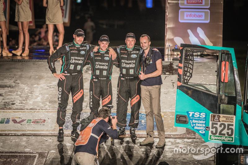 #525 Team De Rooy, IVECO: Wuf Van Ginkel, Bert Van Donkelaar, Erik Kofman