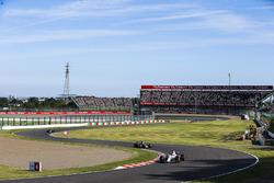 Felipe Massa, Williams FW40, Kevin Magnussen, Haas F1 Team VF-17