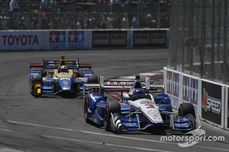 Helio Castroneves, Team Penske, Chevrolet; Alexander Rossi, Herta - Andretti Autosport, Honda