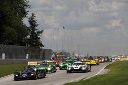 Start: #10 Wayne Taylor Racing Cadillac DPi: Ricky Taylor, Jordan Taylor leads