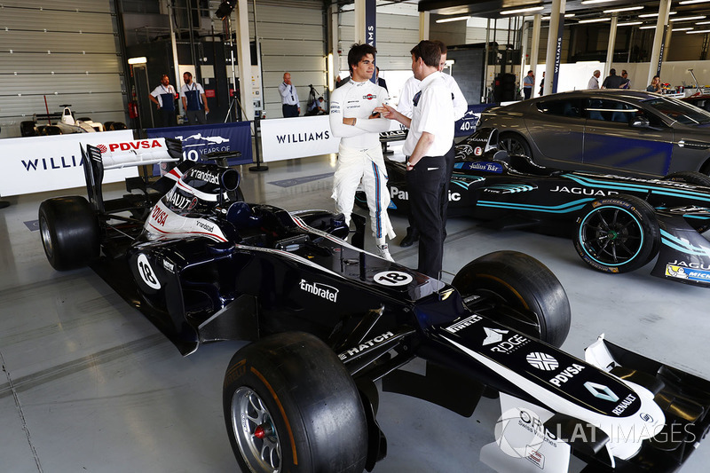 Lance Stroll, Williams ve 2012 Williams FW34 Renault ve Jaguar Formula E aracı
