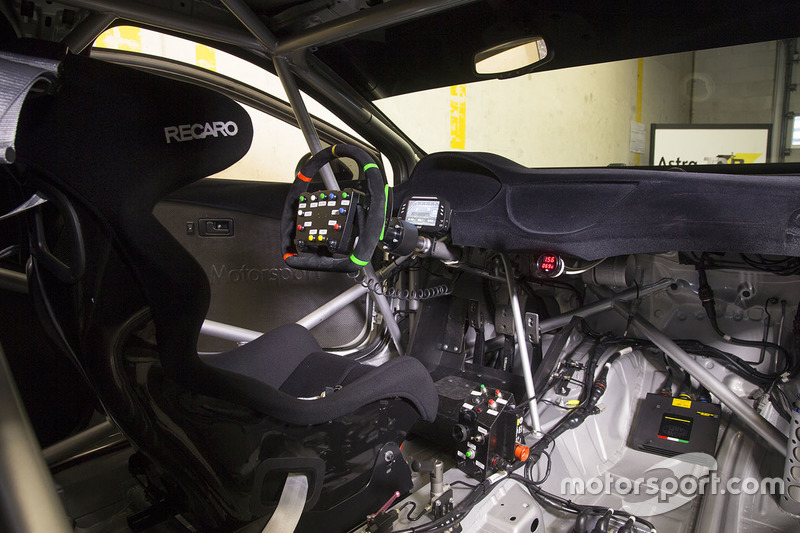 Opel Astra TCR cockpit