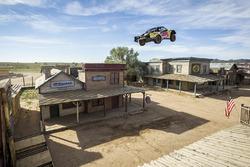 Weltrekord im Truck-Weitsprung: Bryce Menzies schafft 115 Meter