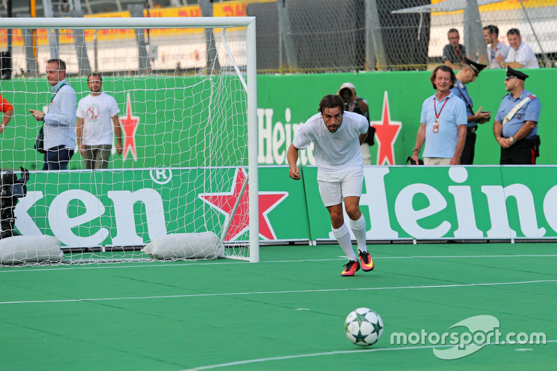 Heineken charity football game, Fernando Alonso, McLaren Honda