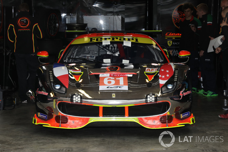 #61 Clearwater Racing Ferrari 488 GTE