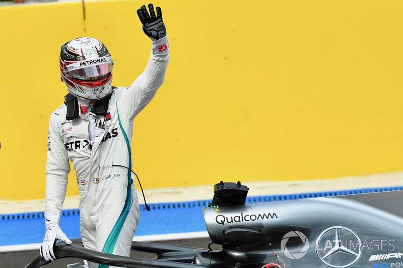 Pole sitter Lewis Hamilton, Mercedes-AMG F1 W09 celebrates in parc ferme
