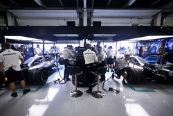 The engineers at work in the Mercedes garage