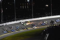 Crash: Kyle Busch, Joe Gibbs Racing, Toyota Camry Interstate Batteries and William Byron, Hendrick Motorsports, Chevrolet Camaro Liberty University