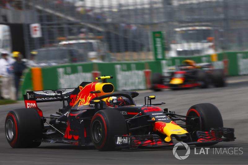 3. Max Verstappen, Red Bull Racing RB14, leads Daniel Ricciardo, Red Bull Racing RB14
