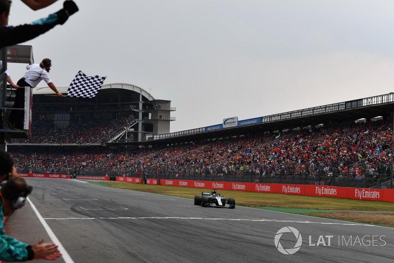 Гран Прі Німеччини. Переможець - Льюіс Хемілтон