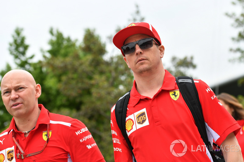 Kimi Raikkonen, Ferrari and Mark Arnall, Trainer