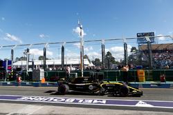 Nico Hulkenberg, Renault Sport F1 Team R.S. 18, leaves the pits