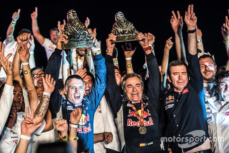 Dakar Fotogallery: Sainz festeggia la vittoria alla Dakar