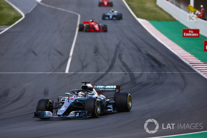 Lewis Hamilton, Mercedes AMG F1 W09, Sebastian Vettel, Ferrari SF71H y Valtteri Bottas, Mercedes AMG F1 W09