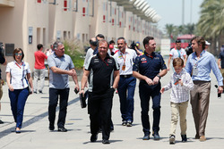 Christian Horner, Red Bull Racing Director y Robert Fernley, Sahara Force India F1 Team equipo de su