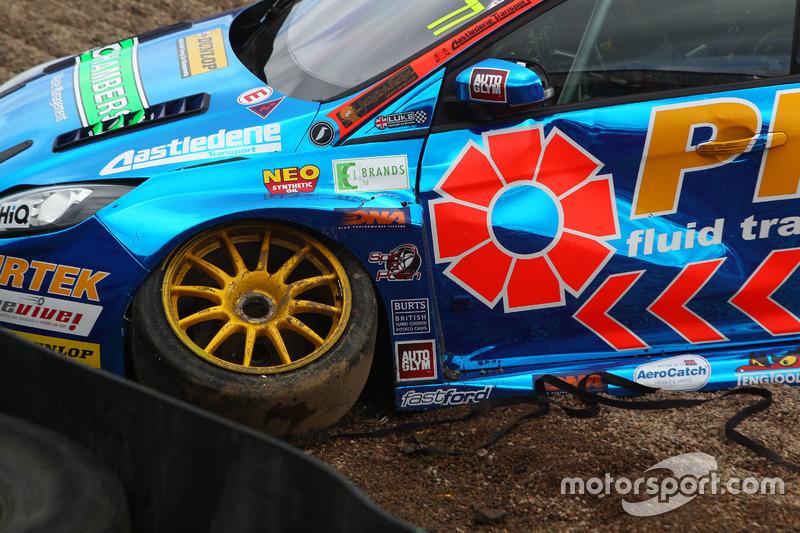 Incidente: Andrew Jordan, Pirtek Racing