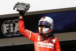 Ganador del a carrera Sebastian Vettel, Ferrari