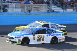 Ryan Blaney, Wood Brothers Racing Ford and Derrike Cope, StarCom Racing, StarCom Fiber\Ashurst American Honey Chevrolet SS