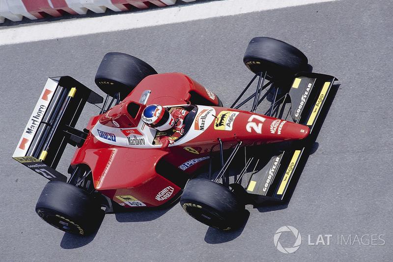 21: Jean Alesi: 114 grandes premios (el 56,72% de los disputados)