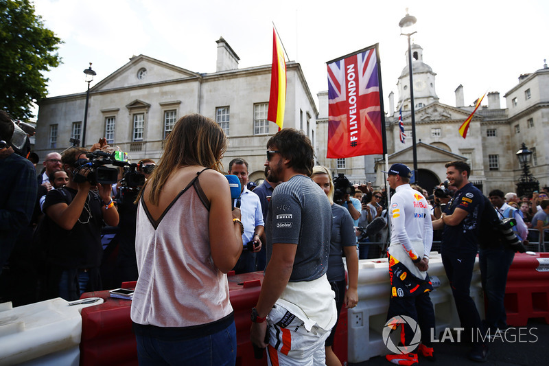 Fernando Alonso, McLaren, Max Verstappen, Red Bull, speak to the media