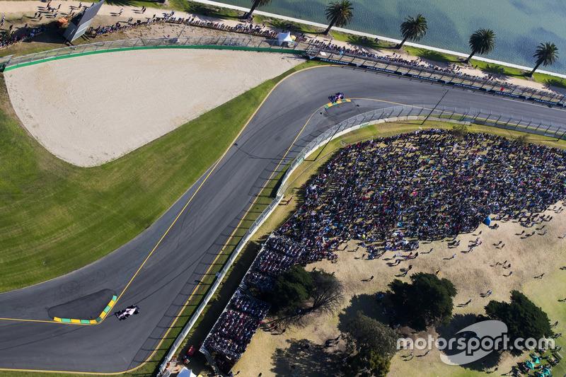 Sergio Pérez, Force India VJM10 y Kvyat, Scuderia Toro Rosso STR12
