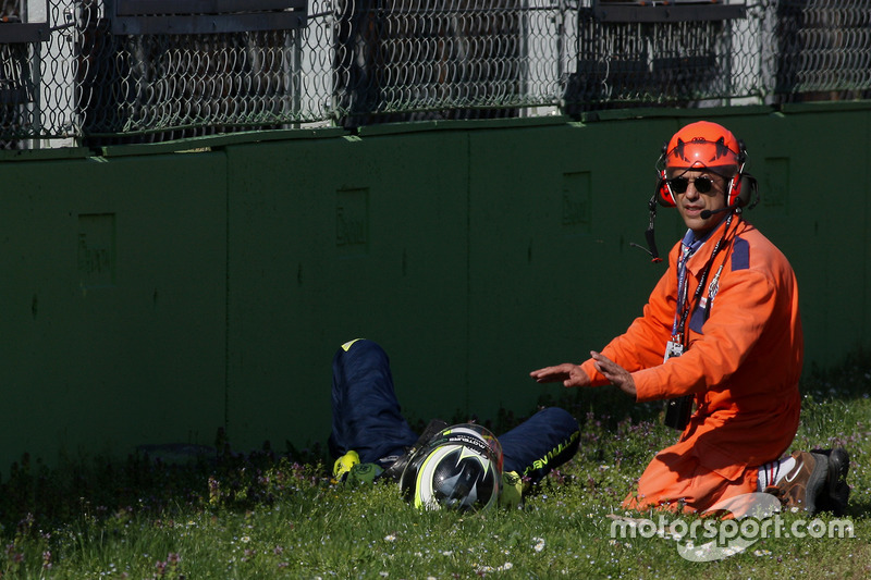 #19 M.Racing - YMR, Norma M 30 - Nissan: Gwenael Delomier after a huge crash