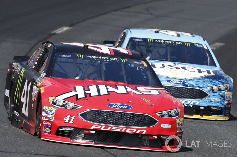 Kurt Busch, Stewart-Haas Racing Ford, Kevin Harvick, Stewart-Haas Racing Ford