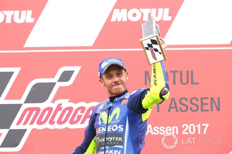 Подіум: переможець гонки Валентино Россі, Yamaha Factory Racing
