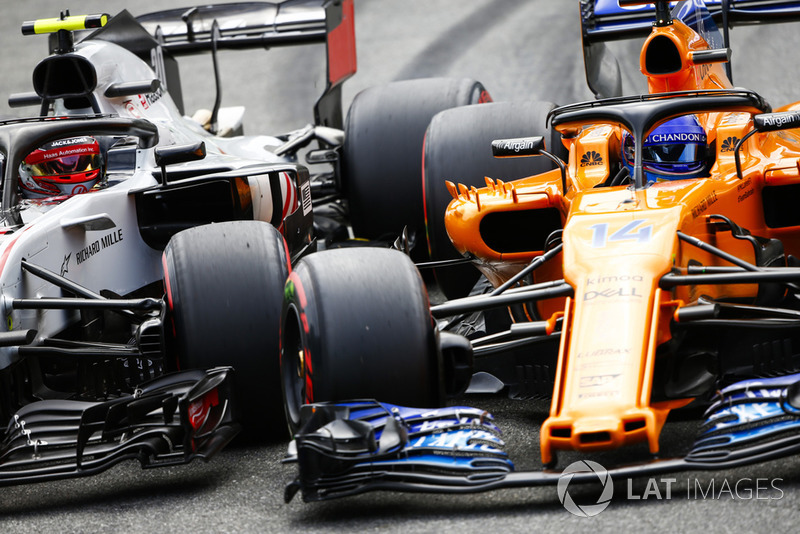 11: Kevin Magnussen, Haas F1 Team VF-18, 1'21.669