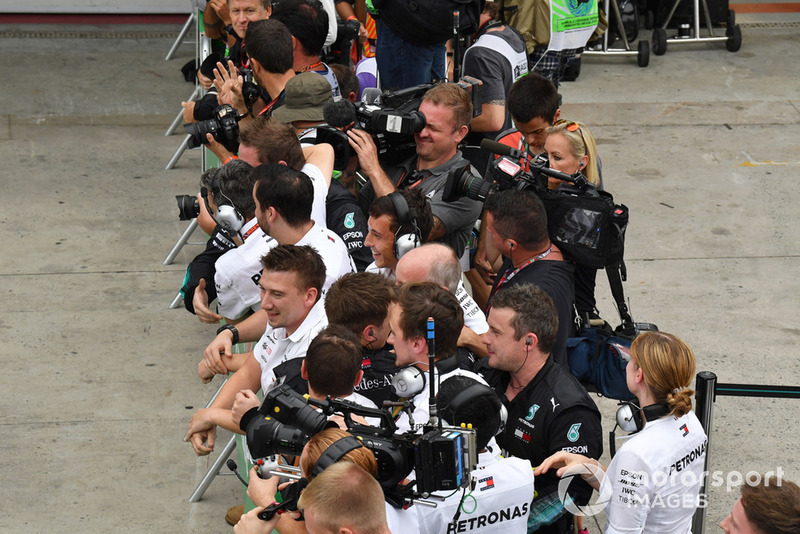 Mercedes-AMG F1 dans le Parc Fermé