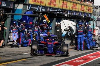 Daniil Kvyat, Toro Rosso STR14, leaves his pit box after a stop