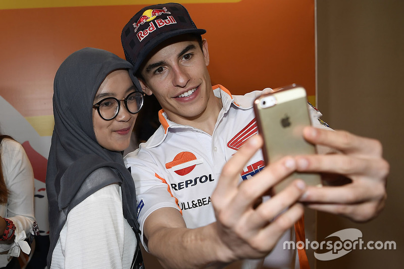 Marc Marquez, Repsol Honda Team con fan