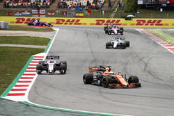 Fernando Alonso, McLaren MCL32, Sergio Perez, Sahara Force India F1 VJM10, Felipe Massa, Williams FW40, Esteban Ocon, Sahara Force India F1 VJM10