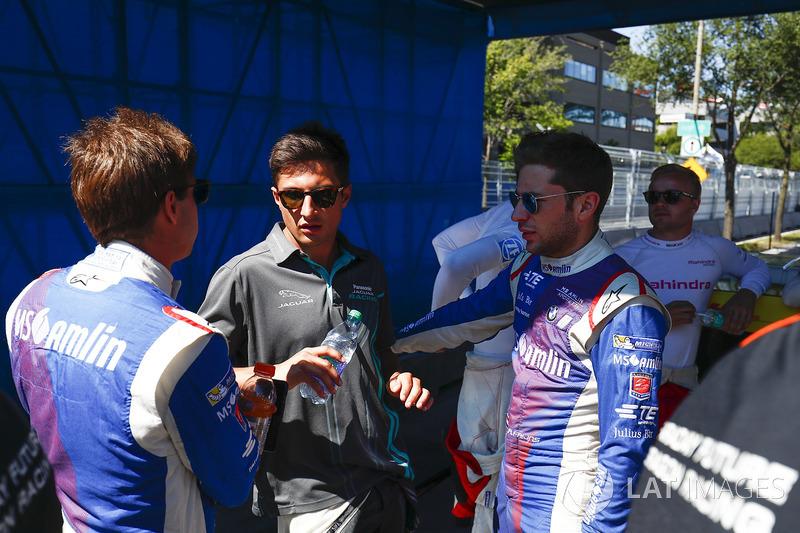 Antonio Felix da Costa, Amlin Andretti Formula E Team, Mitch Evans, Jaguar Racing, y Robin Frijns, Amlin Andretti Formula E Team, en el desfile de pilotos