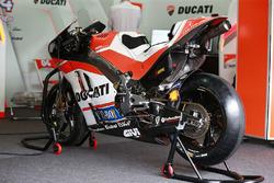 motogp 2017: andrea dovizioso says winglet loss helping ducati