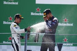 Podio: segundo lugar Sergio Sette Camara, MP Motorsport, ganador de la carrera Luca Ghiotto, RUSSIAN TIME