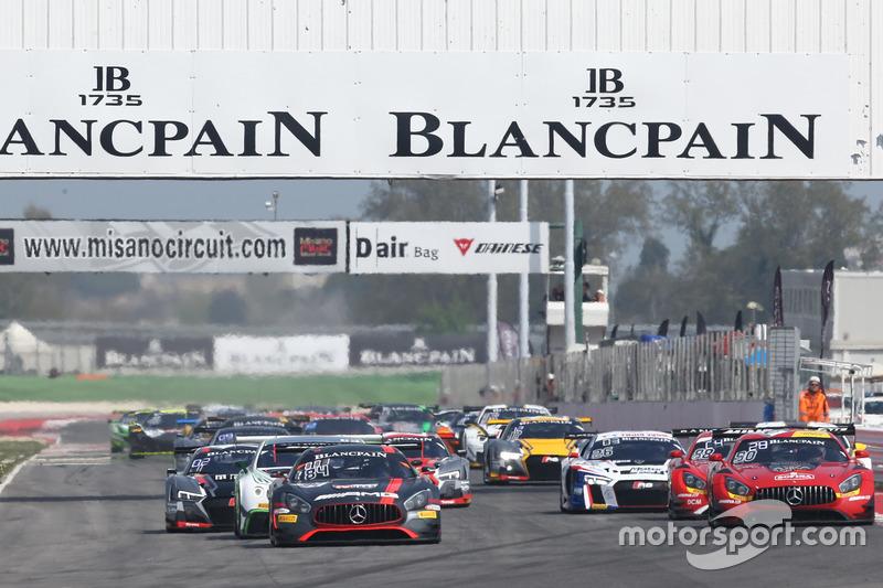 Start action #84 Mercedes-AMG Team HTP Motorsport, Mercedes-AMG GT3: Maximilian Buhk, Franck Perera
