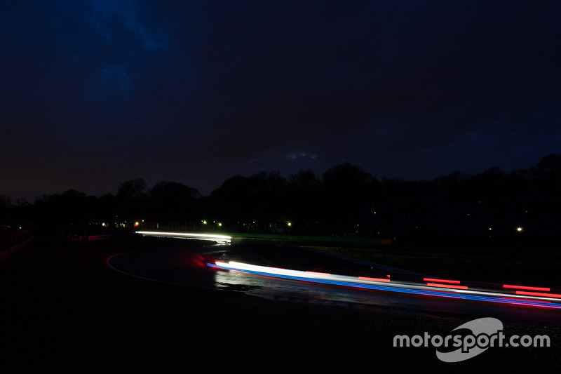Autodromo Nazionale Monza bei Dunkelheit